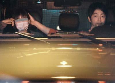 2015年4月にフライデーが岩田絵里奈と大沢たかおの熱愛報道