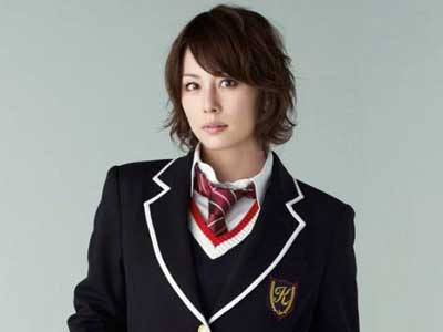米倉涼子の出身高校はどこ?