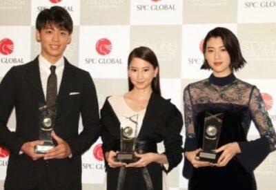 竹内涼真と三吉彩花がベストスタイリングアワード授賞式に登壇